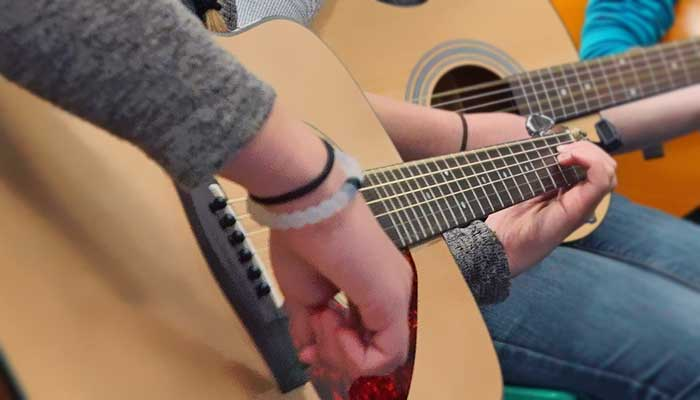 Spice Up Your Teaching with Guitar Licks